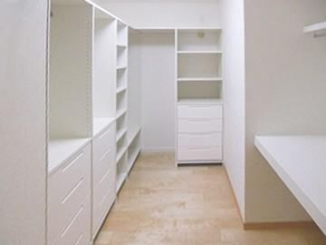 T様邸(岡山市南区)大容量の収納室